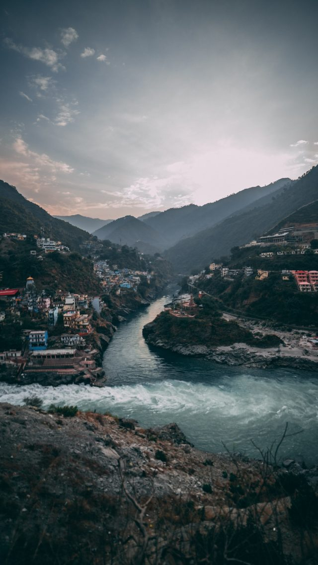 Picture-of-uttarakhand-state-where-two-rivers-meet