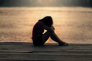 A-girl-representing-heartbreak-sadness